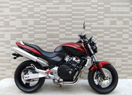 本田小黄蜂250摩托车价格