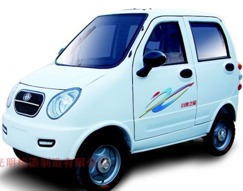光明小熊猫系列家庭式汽车 高清图片