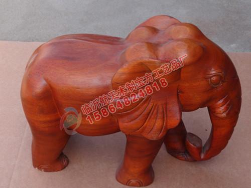 木制工艺品大象