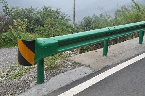 波形护栏乡村公路护栏