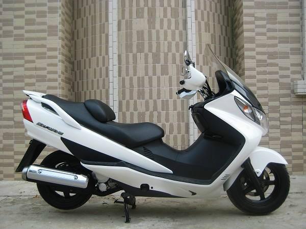铃木天浪250摩托车 铃木摩托车价格