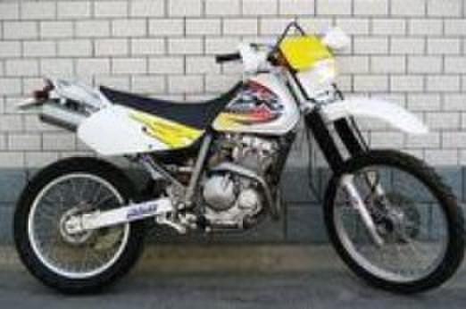 铃木gsx600摩托车 铃木摩托车跑车