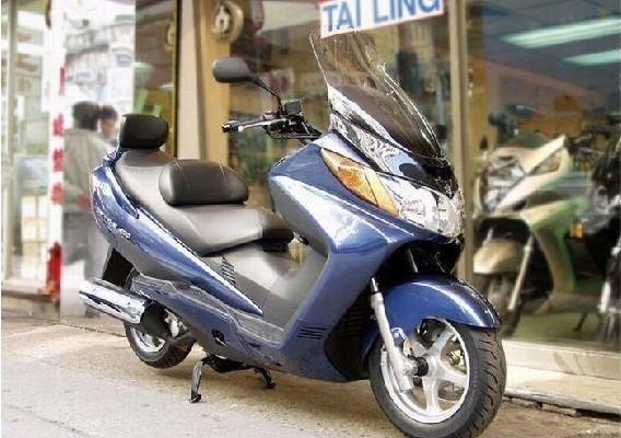 铃木 AN400 铃木踏板摩托车