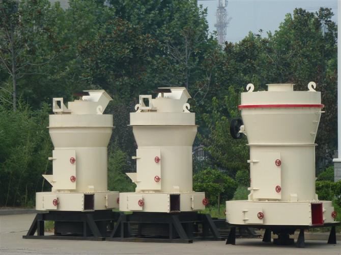 重现历史高产磨粉设备-万隆雷蒙磨粉机
