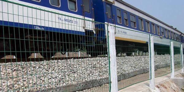 铁路护栏网|公路护栏网厂家报价