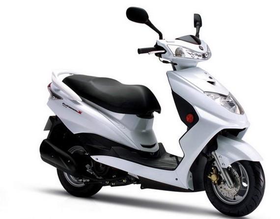 雅马哈凌鹰100踏板女士摩托车价格
