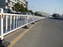 高性能产品高速公路护栏网
