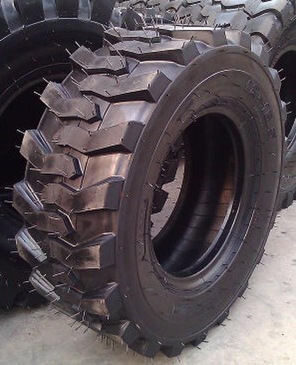 供应高品质工程轮胎轮式挖掘机轮胎