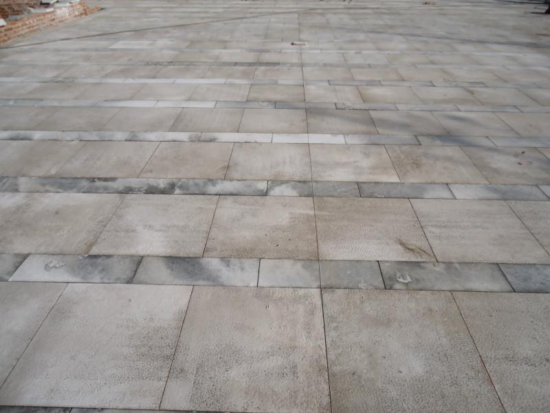 小区石材铺装 小区广场铺装队 聘石材铺装工人