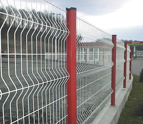 供应安全防护围栏_安全防护折弯围栏_三角折弯围栏_养殖场围栏