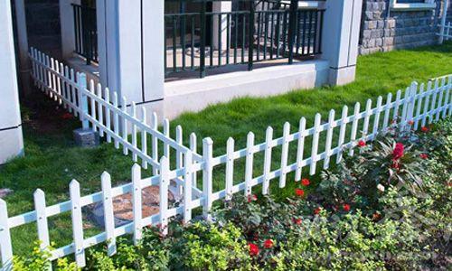 供应呼市网围栏铁艺护栏网_公路护栏网_pvc铁艺护栏