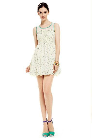 各式服装女装尾货折扣批发艾维依服饰新款超低价供应