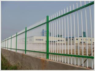 多年制造双梁A型铁艺护栏等丝网制品