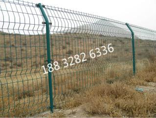 湖南养殖铁丝网养殖场围栏价格养鸡护栏网厂家