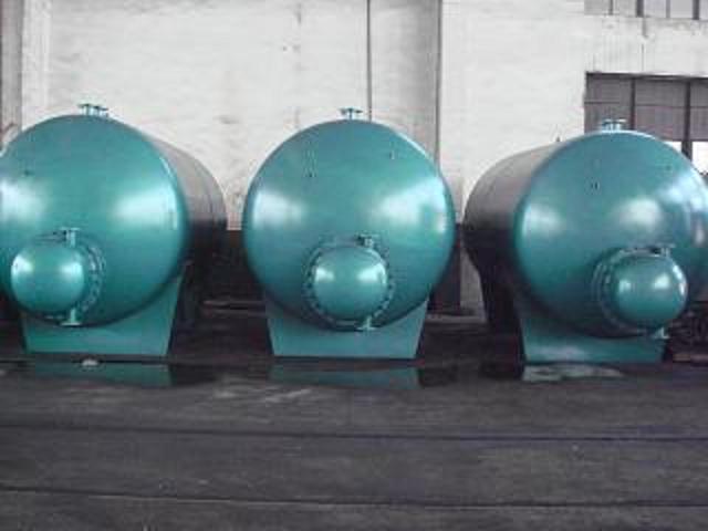 RV-03系列卧式导流型容积式水加热器
