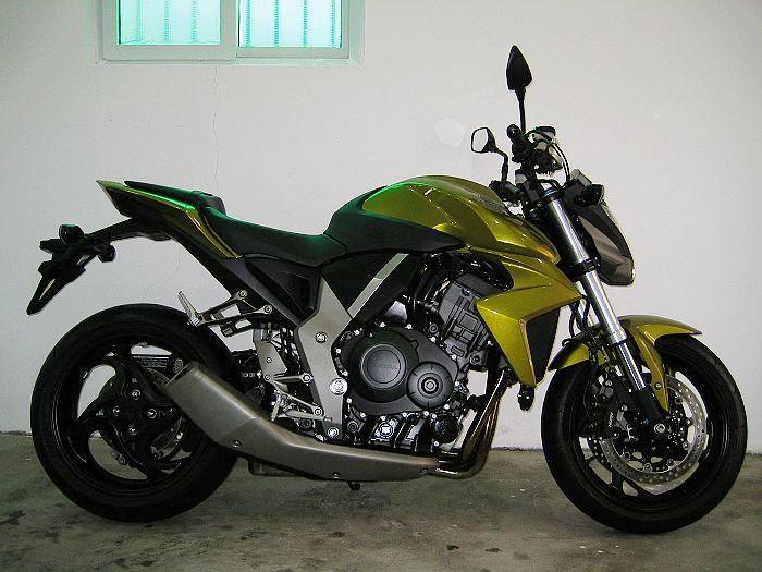 本田大黄蜂CB1000R摩托车报价3800元