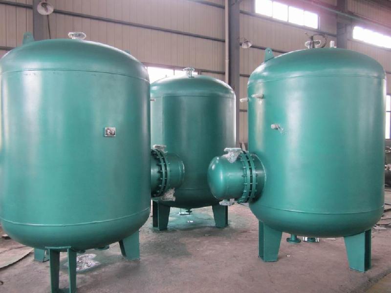RV-04系列立式导流型容积式水加热器