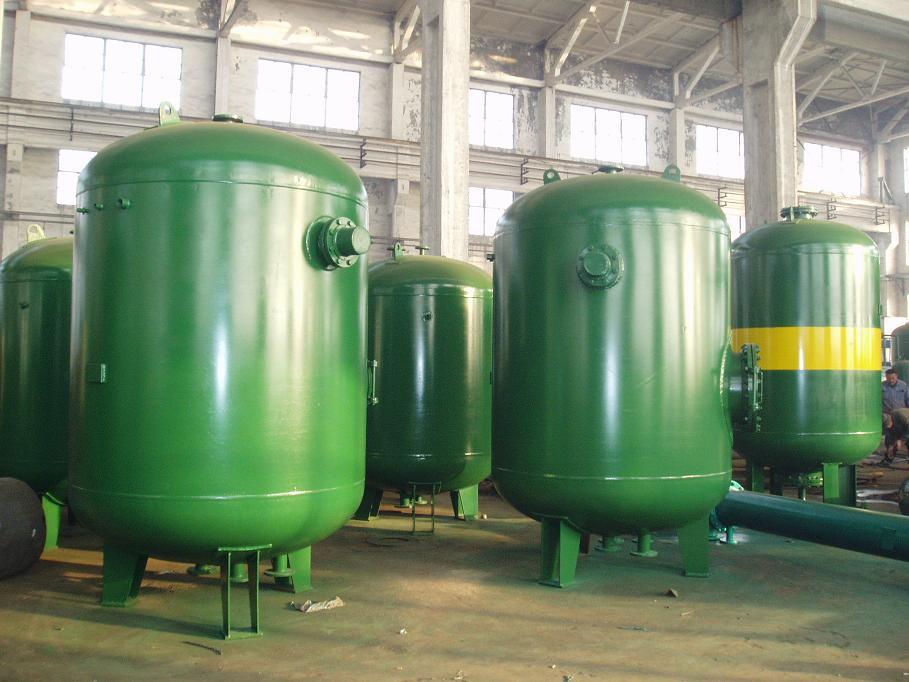 DFHRV系列导流浮动盘管型半容积式水加热器