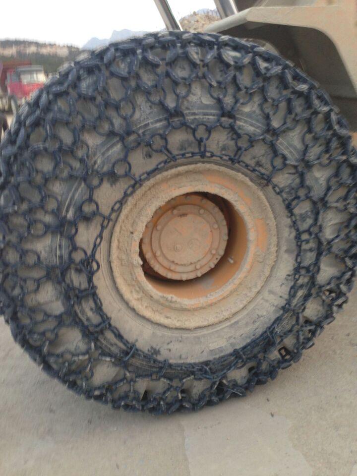 金天山铲车轮胎防护链带来的使用价值