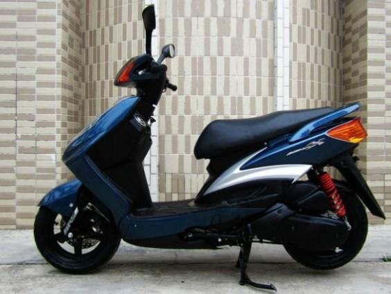 雅马哈劲战125 踏板摩托车 摩托车价格