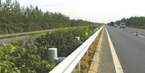 波形护栏板——波形梁护栏生产厂家