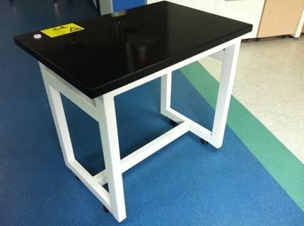 供应常熟实验室钢结构大理石台面天平桌