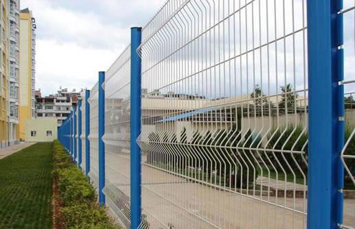 开发区护栏网|采摘园护栏网|桃心柱护栏网