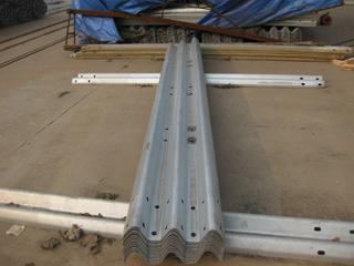 二波波形防护栏板15339936600厂家报价