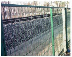 炽盛铁路护栏网铁路框架型护栏铁路隔离栅