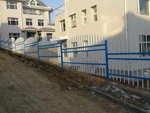热镀锌护栏、护栏网咨询、护栏网配件