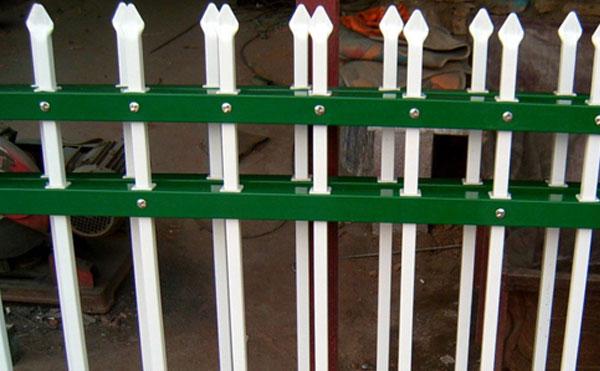 铁艺栅栏、护栏网发展、护栏网用途