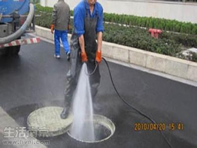 苏州物业小区排污下水道堵塞清洗(疏通)——清理污水井、清理阴井。