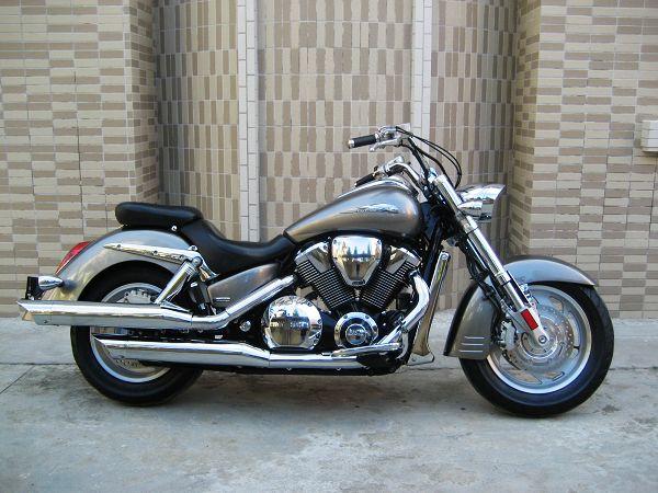 本田VTX1800仿古太子摩托车价格
