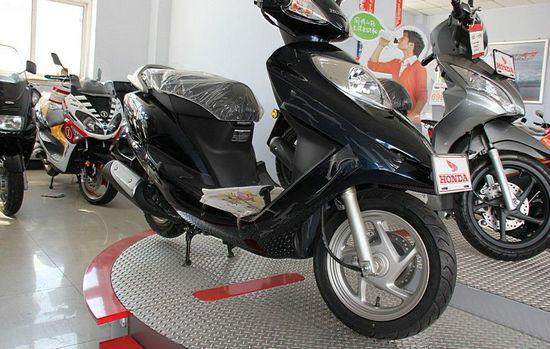 五羊本田佳颖125 踏板摩托车 摩托车报价
