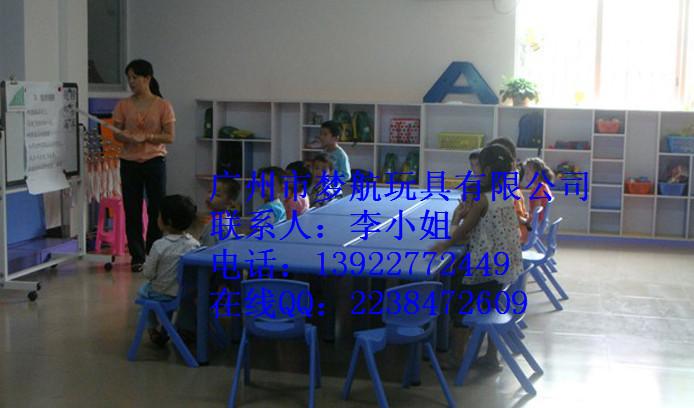 长沙湘潭张家界湖南哪里有幼儿园桌椅墙壁床玩具柜卖