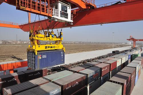 南京、扬州、常州、苏州、张家港至杜尚别、苦盏、胡占特铁路运输