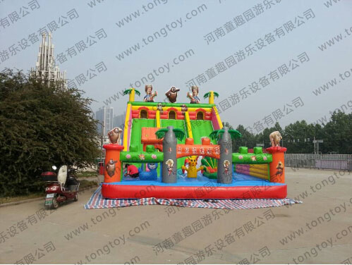 广场儿童娱乐设施熊出没充气滑梯