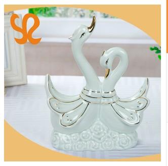 现代简约创意家居情侣天鹅 动物陶瓷摆件