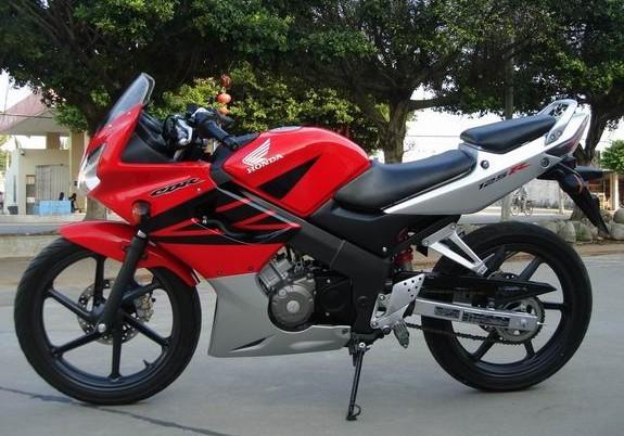 本田摩托车,本田CBR125RR,进口摩托车,摩托车跑车