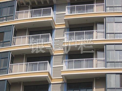 湖北武汉黄石铝合金护栏热锌钢护栏建筑装饰百叶空调围栏户外栅栏