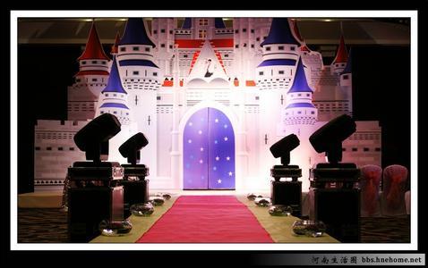 北京展途玻璃钢雕塑工作室致力于各类城市雕塑,园林景观雕塑,传统佛教艺术环境雕塑,蜡像,硅胶像,仿真人雕塑,影视道具,软装等艺术工程的设计,制作,及施工。城堡 婚礼城堡 圣诞节城堡 泡沫雕塑,材质包括玻璃钢(FRP),高强度水泥(GRC),泡沫(EPS)、砂岩,铸铜,锻铜,不锈钢,各类石材,石膏(GRG),琉璃等。 我们拥有一支有着多年经验的优秀蜡像专业团队,技术力量雄厚,一流的艺术设计师、雕塑艺术家和 经验丰富的专业制作人员,并邀请国内外著名、雕塑艺术家作为艺术顾问,亲临指导。城堡 婚礼城堡 圣诞节城堡