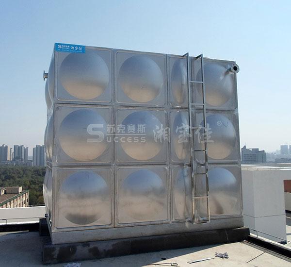 不锈钢水箱自洁消毒器的安装方法