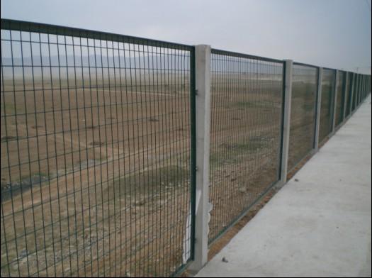 内蒙古巴彦淖尔杭锦后旗铁路封闭护栏网