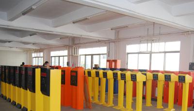 罗湖电动伸缩门,创意停车场,桂园医院停车场管理系统