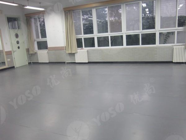 4mm的地胶均适用于木地板地面
