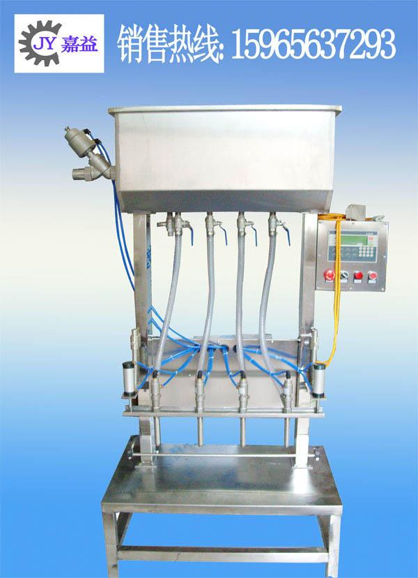 防冻液灌装机_酱油玻璃水半自动灌装机_济南嘉益灌装机