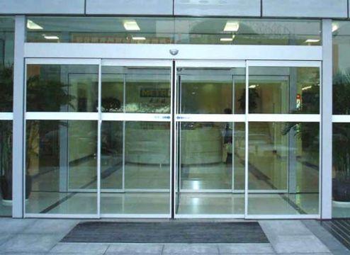 大兴区安装钢化玻璃门更换地弹簧