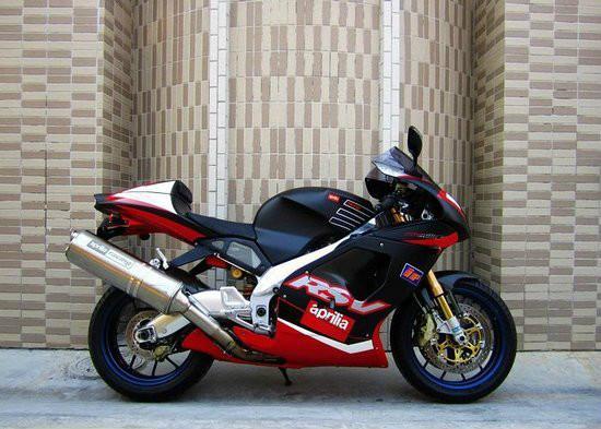 供应600摩托车阿普利亚RSV1000摩托车
