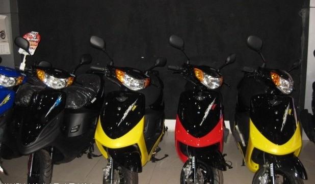 雅马哈福喜踏板摩托车全新原装进口