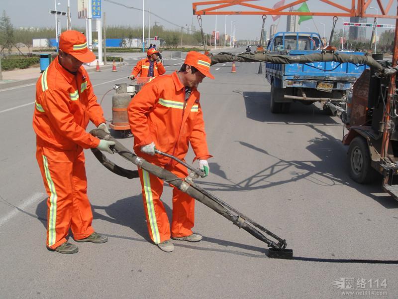 滁州公路灌缝胶施工厂家在本地样板工地